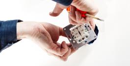 Trouver le bon électricien pour vos travaux en Bretagne