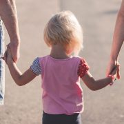 Qui a l'autorité parentale dans un couple non marié ?